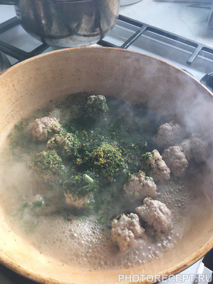 Фото рецепта - Спагетти с фрикадельками и томатной пастой - шаг 2