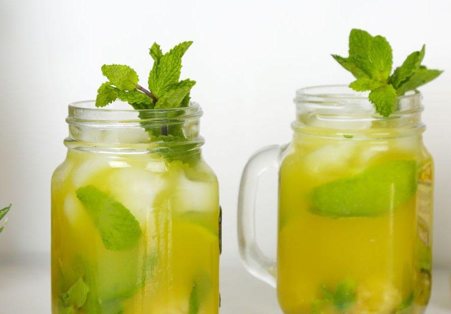 """Лимонад из ананаса и яблока """"Дерзкая мята"""""""