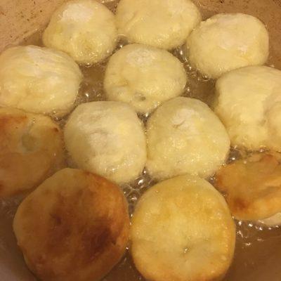 Фото рецепта - Пышные пончики - шаг 4