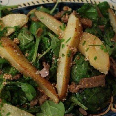 Салат с карамелизованной грушей и говяжьим языком по-японски - рецепт с фото