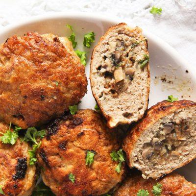 Свино-говяжьи котлеты, фаршированные грибами - рецепт с фото
