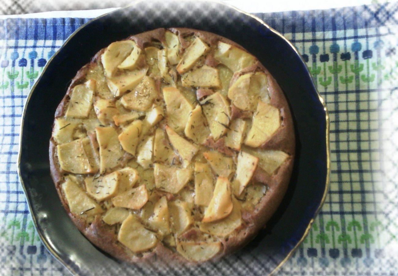 Открытый картофельный пирог с ржаной мукой