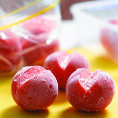 Замороженные целые помидоры - рецепт с фото