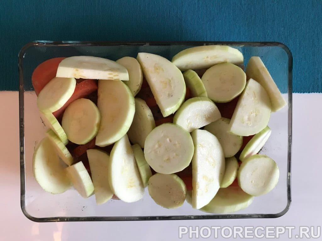 Фото рецепта - Сочная курочка с помидорами и кабачками в духовке - шаг 6