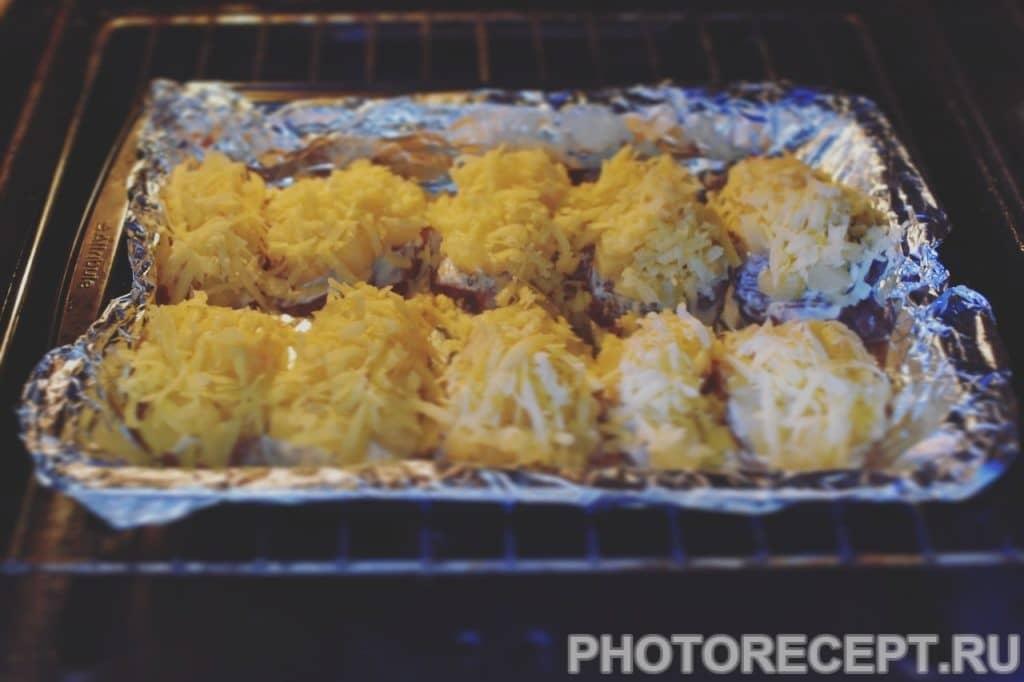 Фото рецепта - Сочная куриная грудка с ананасом и сыром - шаг 7
