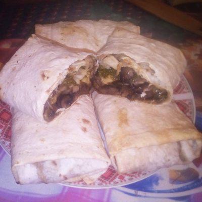 Лаваш с грибами и сыром, запеченный в духовке - рецепт с фото