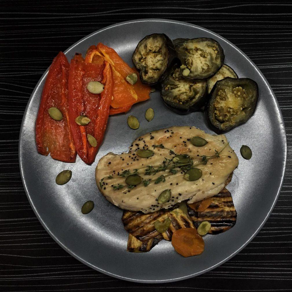 Фото рецепта - Куриная грудка с овощами - шаг 9