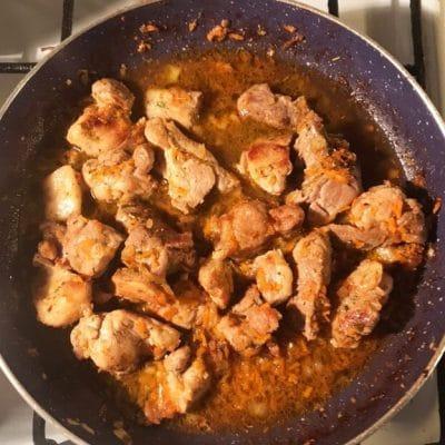 Тушеная свинина в соевом соусе - рецепт с фото