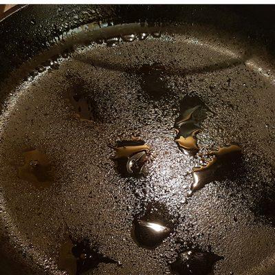 """Фото рецепта - Куриные котлетки с секретом """"Стройняшки"""" - шаг 7"""
