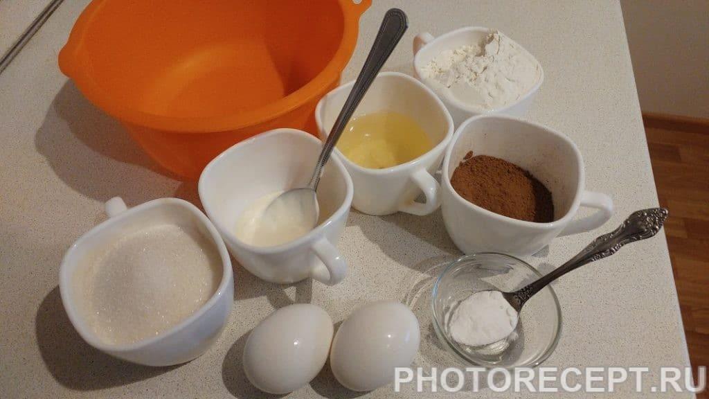 Фото рецепта - Быстрый шоколадный пирог в мультиварке - шаг 1