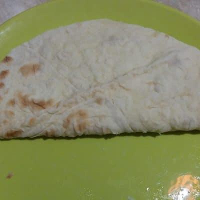 Фото рецепта - Яичница в лаваше на завтрак - шаг 8