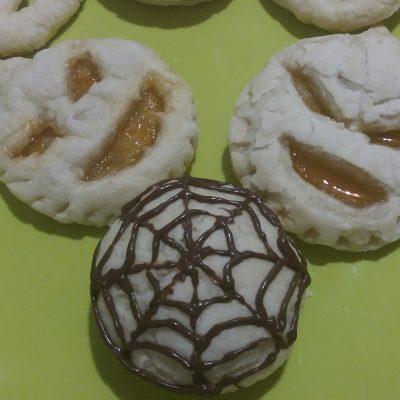 Фото рецепта - Быстрое печенье на Хэллоуин - шаг 5
