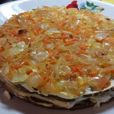 Фото рецепта - Печеночный торт с морковью - шаг 8