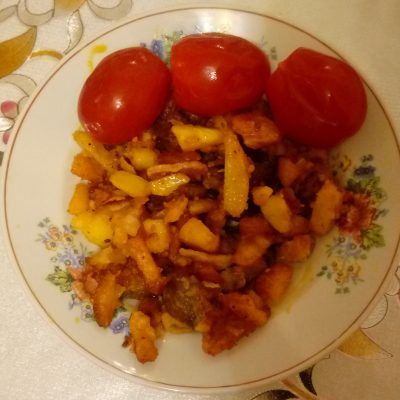 Фото рецепта - Жареная картошка с паприкой и беконом - шаг 5