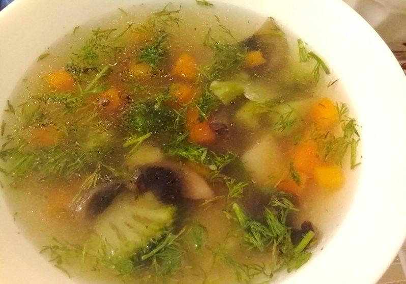Суп грибной с брокколи
