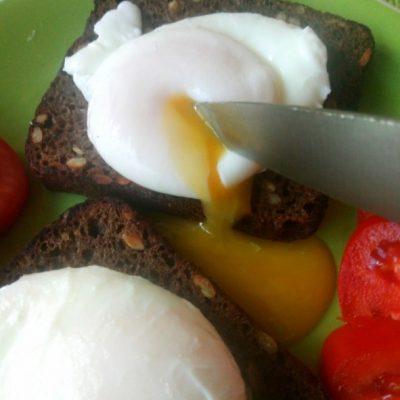 Яйца пашот получатся у всех - рецепт с фото