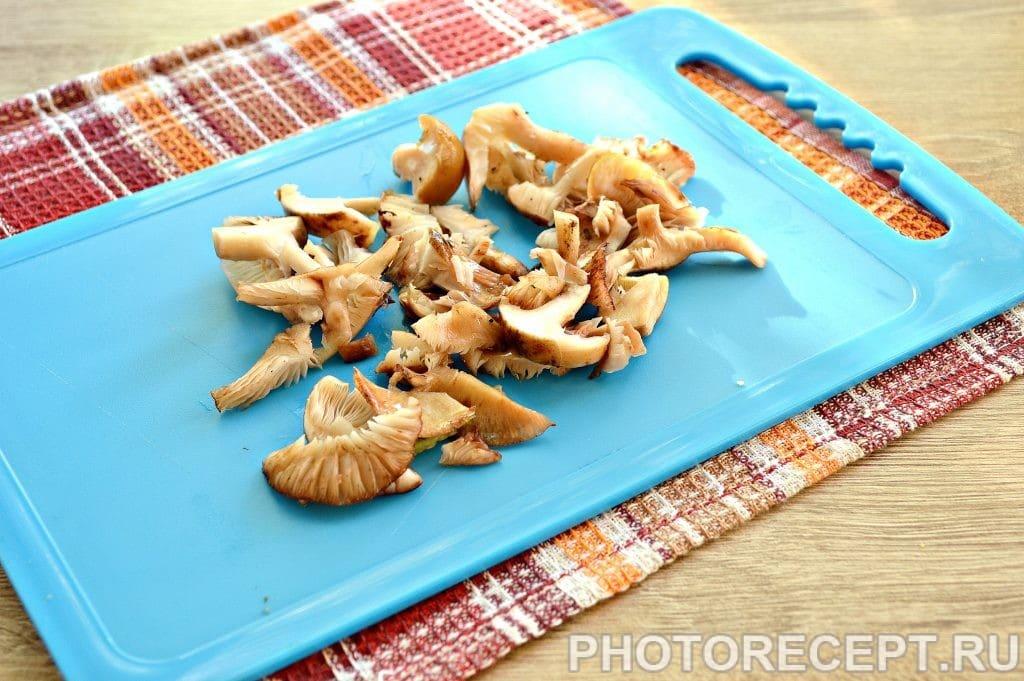 Фото рецепта - Опята с баклажанами и овощами - шаг 5