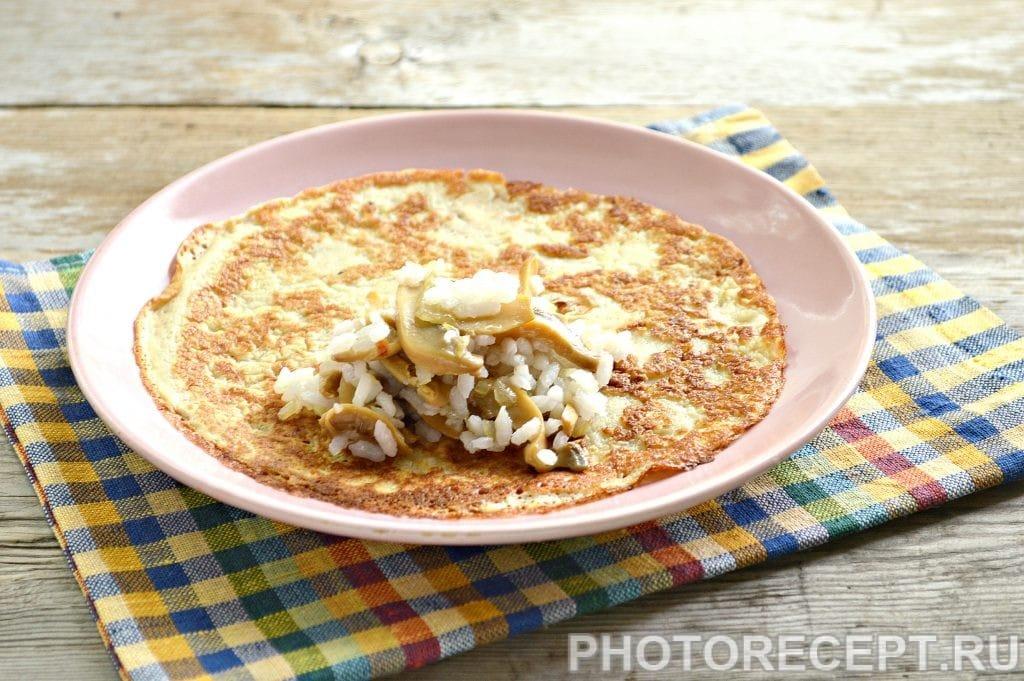 Фото рецепта - Вкусная начинка для блинов из риса и грибов - шаг 6