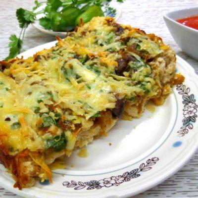 Капуста с курицей и грибами в духовке - рецепт с фото