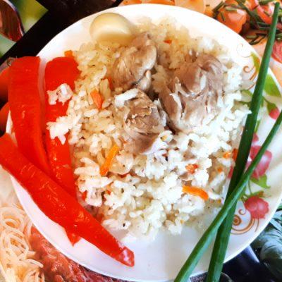 Плов в мультиварке с куриным окорочком - рецепт с фото