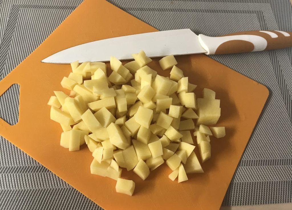 Фото рецепта - Вкусный супчик из семги для малышей - шаг 5