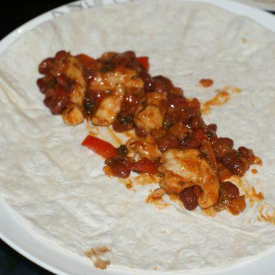 Фото рецепта - Буррито по-мексикански - шаг 9