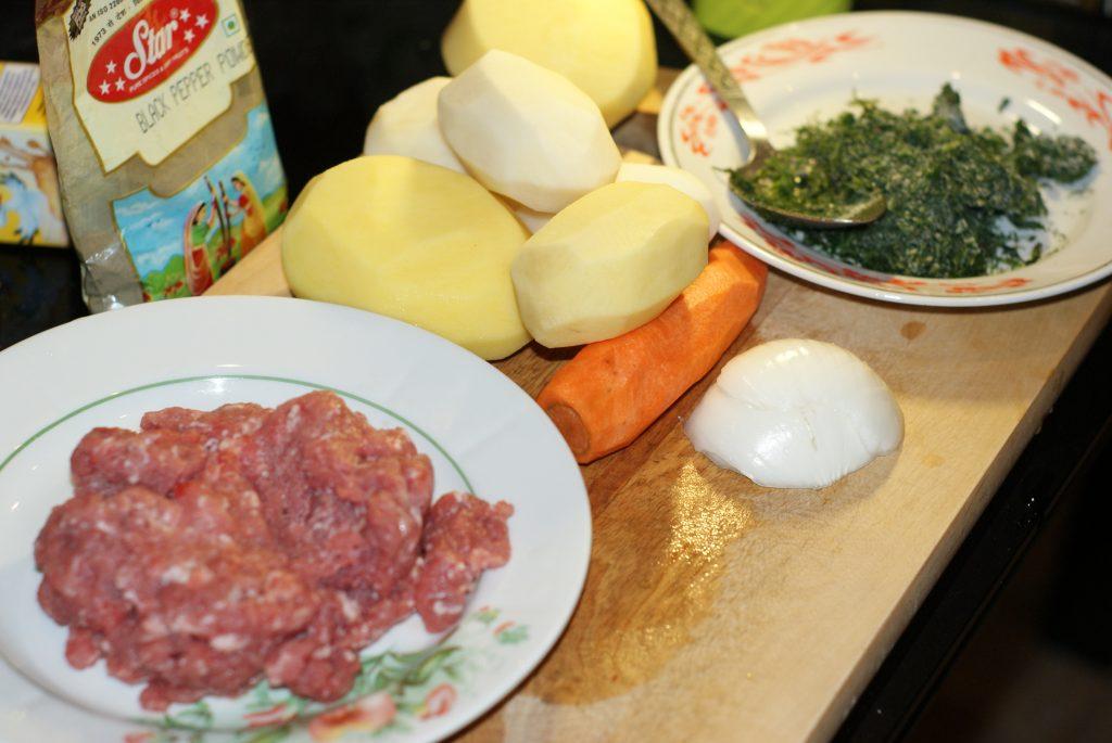 Фото рецепта - Суп с фрикадельками - шаг 1