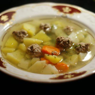Фото рецепта - Суп с фрикадельками - шаг 6