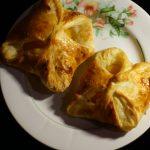 Фото рецепта - Слойки с персиком - шаг 6