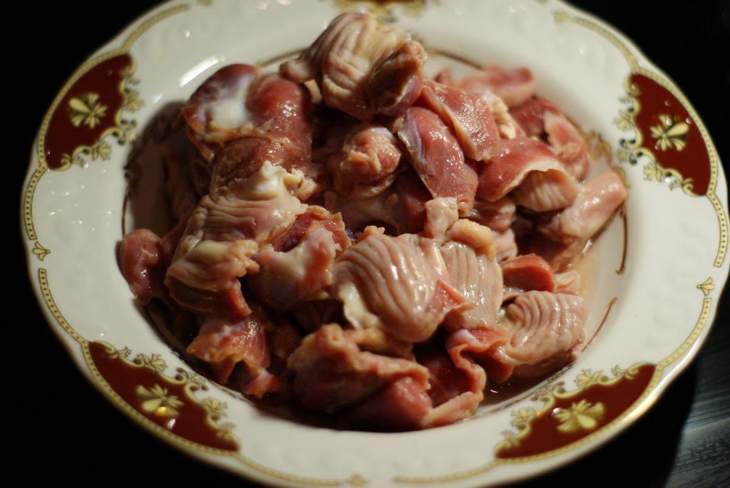 Фото рецепта - Куриные желудочки в морковно-сметанном соусе - шаг 2