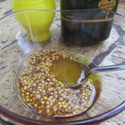 Фото рецепта - Теплый салат «Воспоминание о Таиланде» - шаг 5