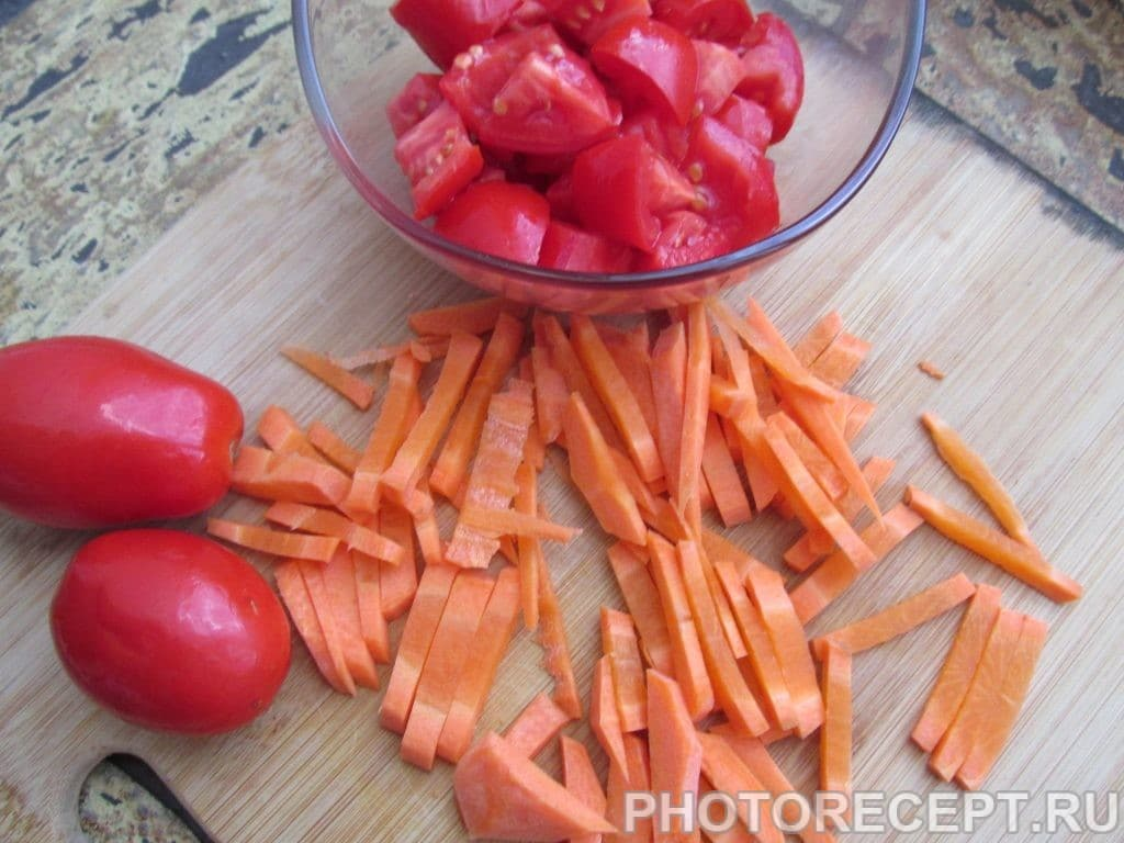 Фото рецепта - Теплый салат «Воспоминание о Таиланде» - шаг 4