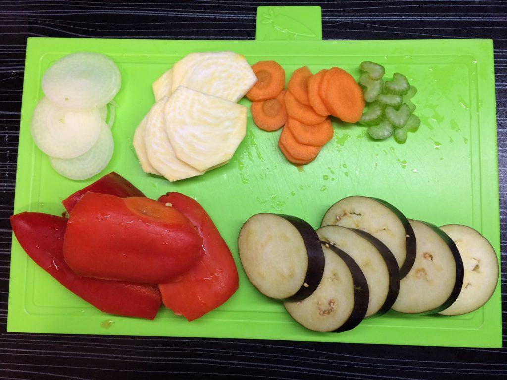 Фото рецепта - Куриная грудка с овощами - шаг 3