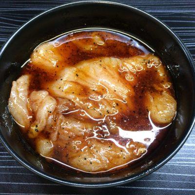 Фото рецепта - Пикантная куриная грудка - шаг 3