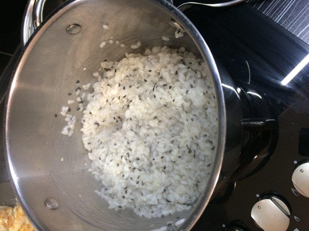 Фото рецепта - Жареная рыба с рисом - шаг 5