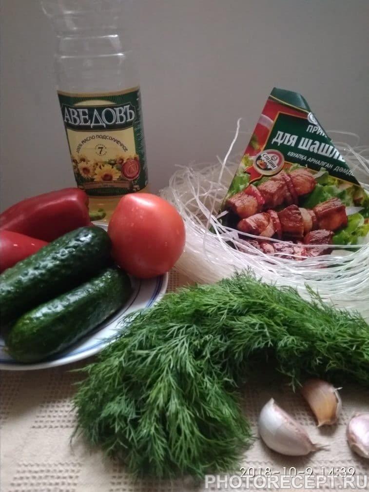 Фото рецепта - Салат с холодной фунчозой - шаг 1