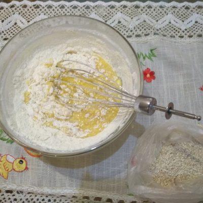 Фото рецепта - Невероятно вкусное ароматное печенье с кунжутом - шаг 2
