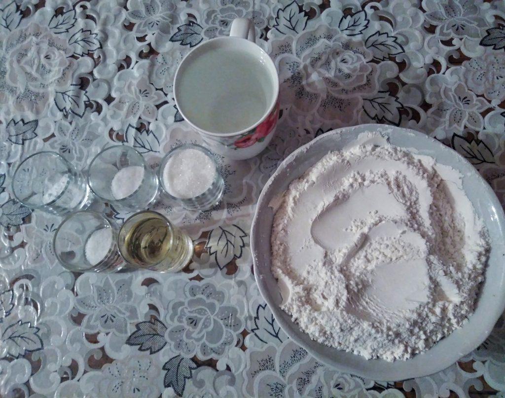 Фото рецепта - Блины на воде с содой - шаг 1