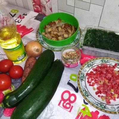 Фото рецепта - Овощное рагу с грибами - шаг 1