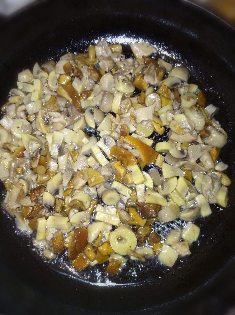 Фото рецепта - Овощное рагу с грибами - шаг 2