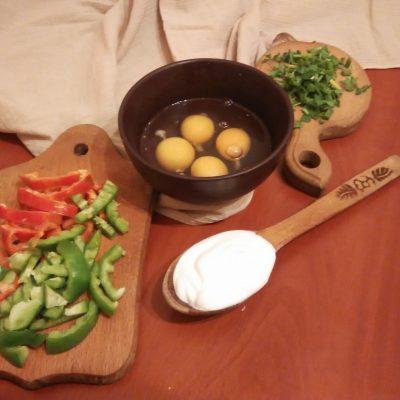 Фото рецепта - Запеканка-омлет из цветной капусты - шаг 2