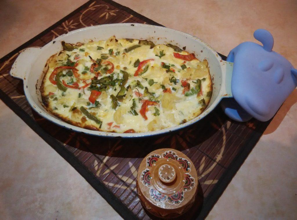 Фото рецепта - Запеканка-омлет из цветной капусты - шаг 5