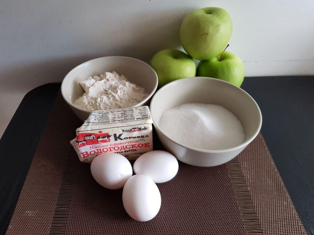 Фото рецепта - Карамельная шарлотка - шаг 1