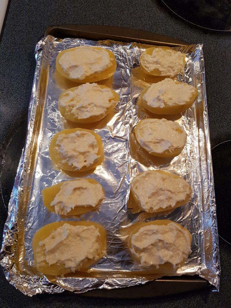 Фото рецепта - Аппетитный картофель в духовке - шаг 5