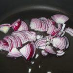 Фото рецепта - Классический борщ с говядиной - шаг 2