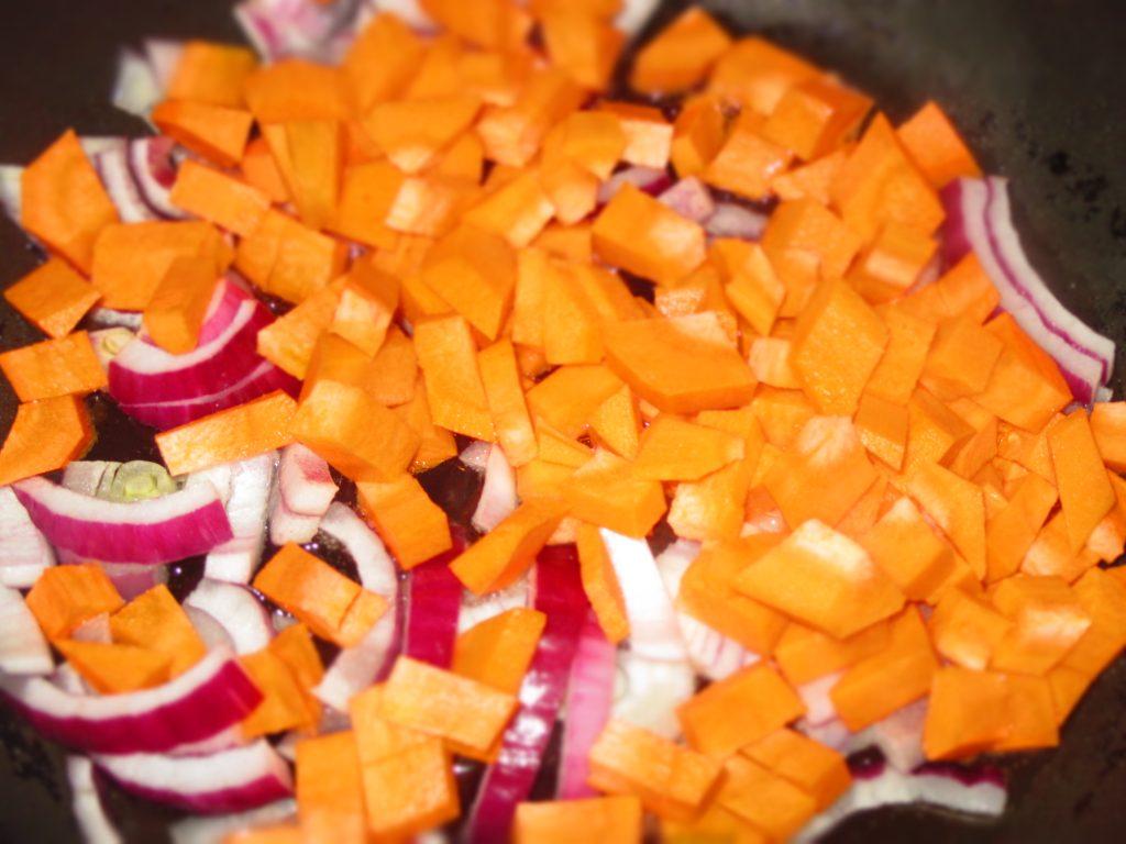 Фото рецепта - Простой грибной суп - шаг 3