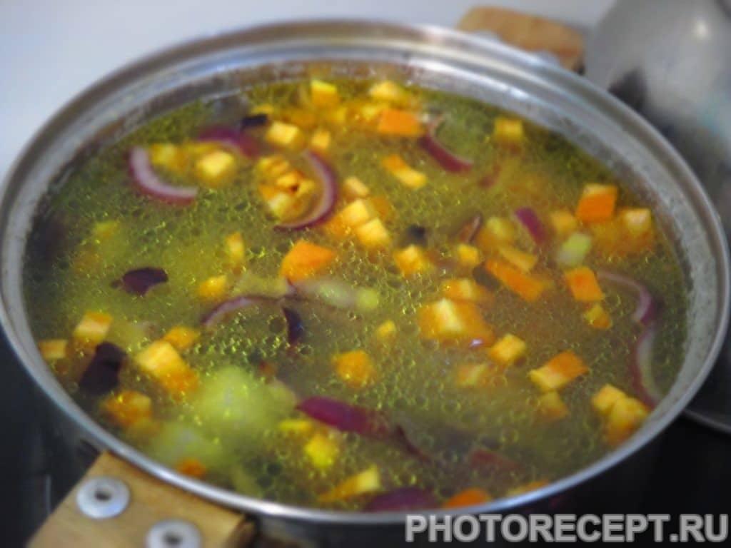 Фото рецепта - Простой грибной суп - шаг 4