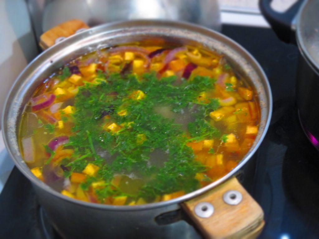 Фото рецепта - Простой грибной суп - шаг 5