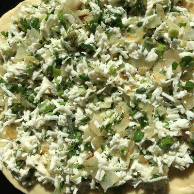Фото рецепта - Пирог с брынзой и зеленью - шаг 7