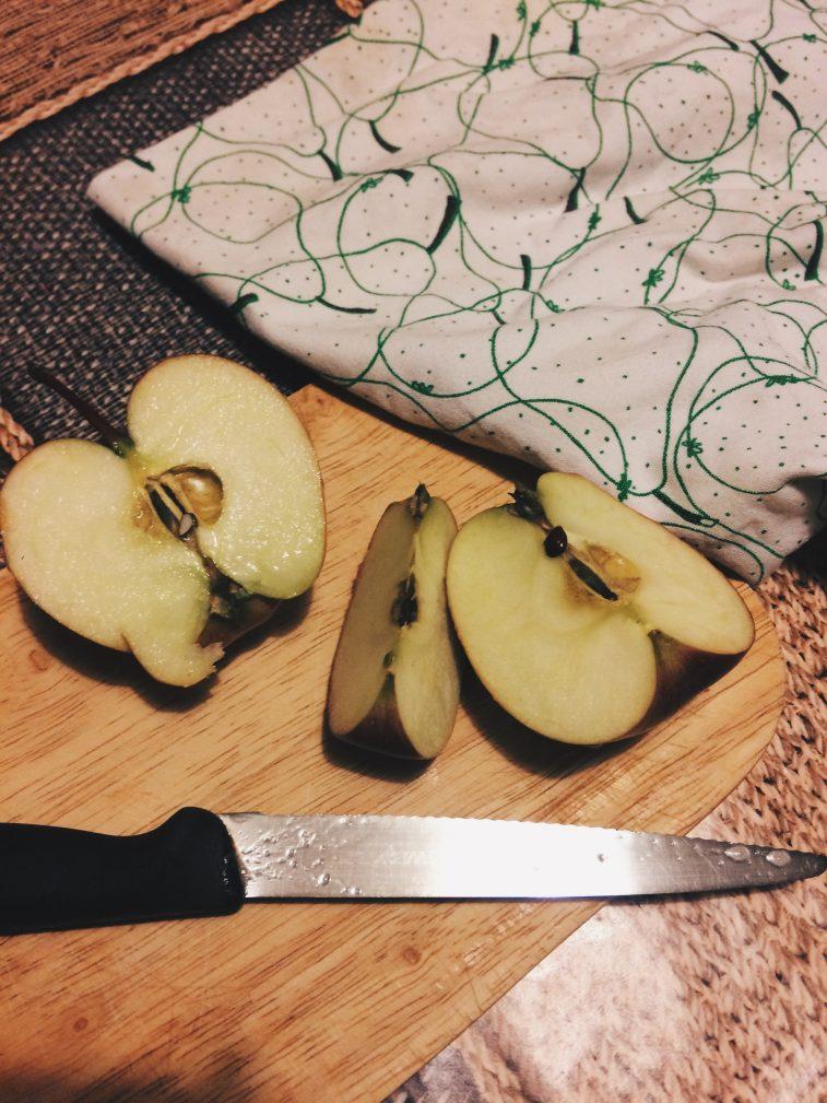 Фото рецепта - Простой и вкусный яблочный пирог - шаг 2